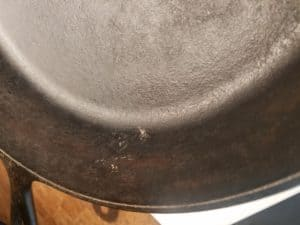 cast iron skillet cleaning, cast iron skillet care, cleaning hacks, cleaning rusty cast iron, cleaning cast iron skillet, how to take care of cast iron skillet, how to take care of cast iron cookware