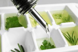 freezing herbs in oil